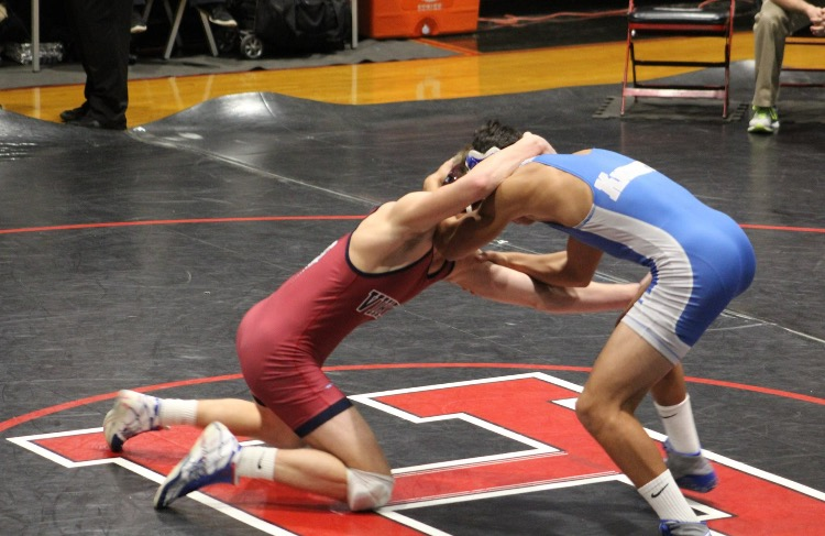 Tanner Eldridge gets tanged up with an opponent