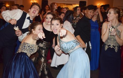 Sophomores dance the night away at 2018 Cotillion