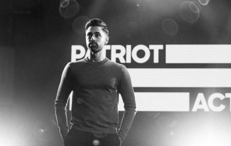 "Hasan Minhaj excells in ""Patriot Act"""