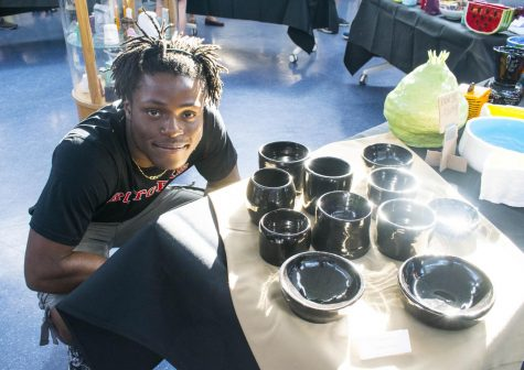 Holiday craft show lifts spirits for the Class of 2019