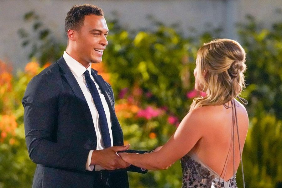 Bachelorette Clare Crawley is speechless when frontrunner Dale Moss steps out of the limo.